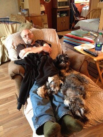 Dad, Anya, Fidget & Inca sharing the recliner.